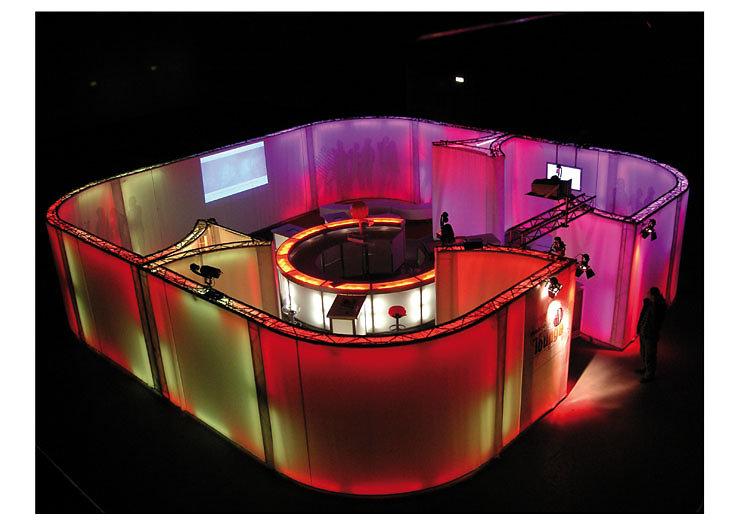 L&M Lounge 2003